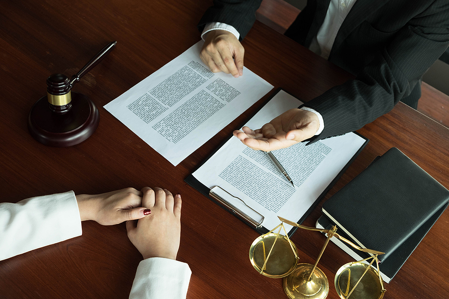 Woman meeting a divorce lawyer in Sydney